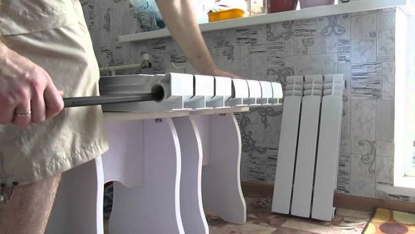 монтаж алюминиевого радиатора отопления